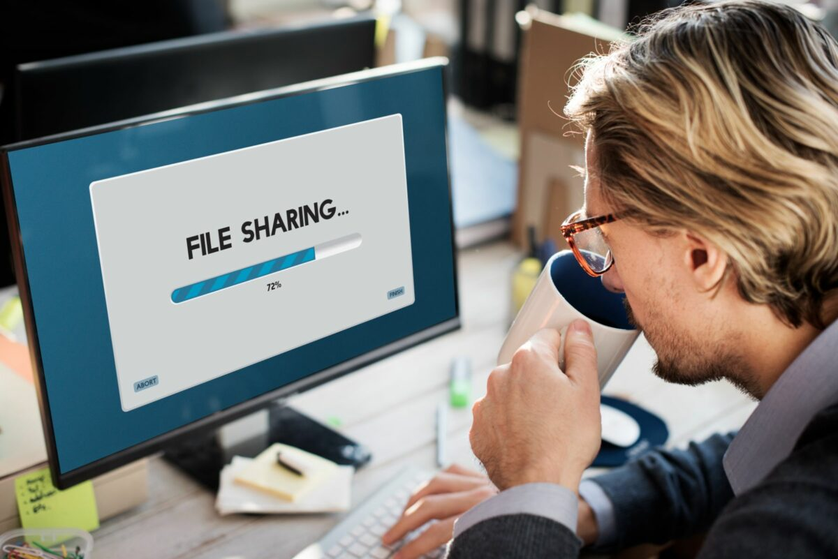 How a File Sharing and Storing Solution Improves Compliance